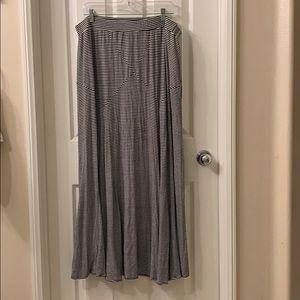 Stripped maxi skirt